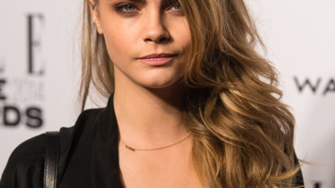 Beauty Buzz:  How Cara Delevingne Does Her Eyebrows, Makeup For Your Hair, More | StyleCaster