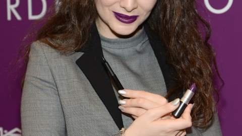 Best of the Week: Lorde's Pure Heroine Lipstick, Kylie Jenner's Blue Hair, More | StyleCaster