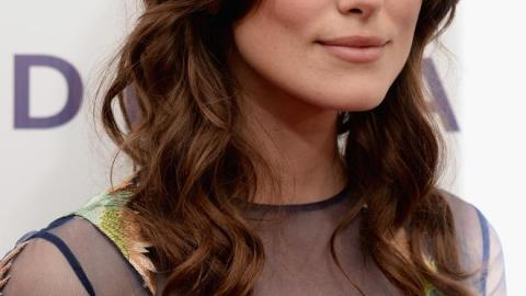 Best of the Week: Keira Knightley's Navy Liner, Jessica Alba's Beach Waves, More | StyleCaster