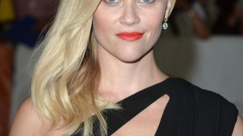 Reese Witherspoon Inspires with Matte Red Lips   StyleCaster