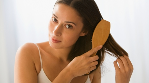 Beauty Buzz: How to Clean Your Hair Brush, Bright Lipsticks for Spring, More | StyleCaster