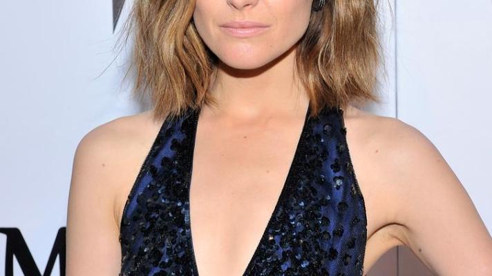 Best of the Week: Rose Byrne's Beachy Waves, Jessica Alba's Red Lips, More