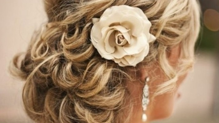 Prom Hairstyles For Every Type Of Girl