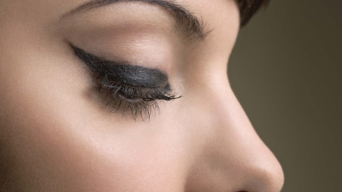 Winged Eyeliner: The Best Video Tutorials Out There | StyleCaster