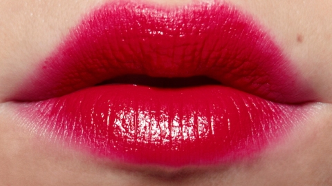 Fake Fuller Lips Instantly With These Tricks | StyleCaster