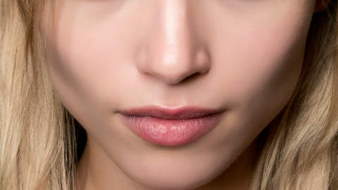 Fake It Until You Make It: Smooth Lips | StyleCaster
