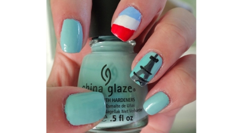 French Themed Nail Art to Celebrate Bastille Day | StyleCaster