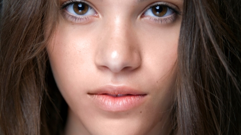 Are You Removing Your Makeup Properly? | StyleCaster