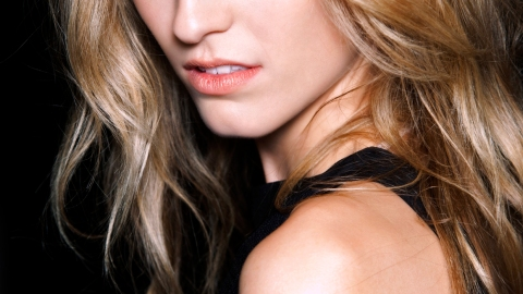 Your Conditioner May Be Causing Your Breakouts   StyleCaster