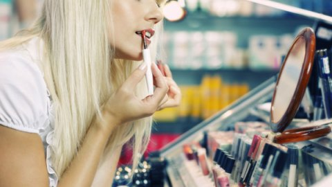 Tips to Become a Better Beauty Shopper   StyleCaster