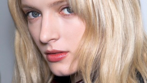 Ask an Expert: How to Get Texture Without Drying Out Your Hair | StyleCaster