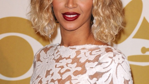 Learn How to Get Both of Beyonce's Hairstyles From the Grammys | StyleCaster