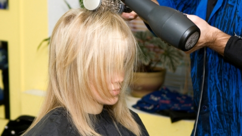 Bloggers Spill the Craziest Things They've Ever Done to Protect a Blowout | StyleCaster