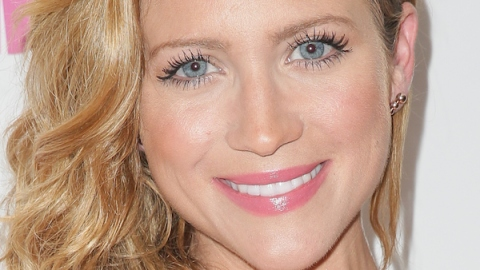 Brittany Snow Talks Beauty Confessions and More | StyleCaster