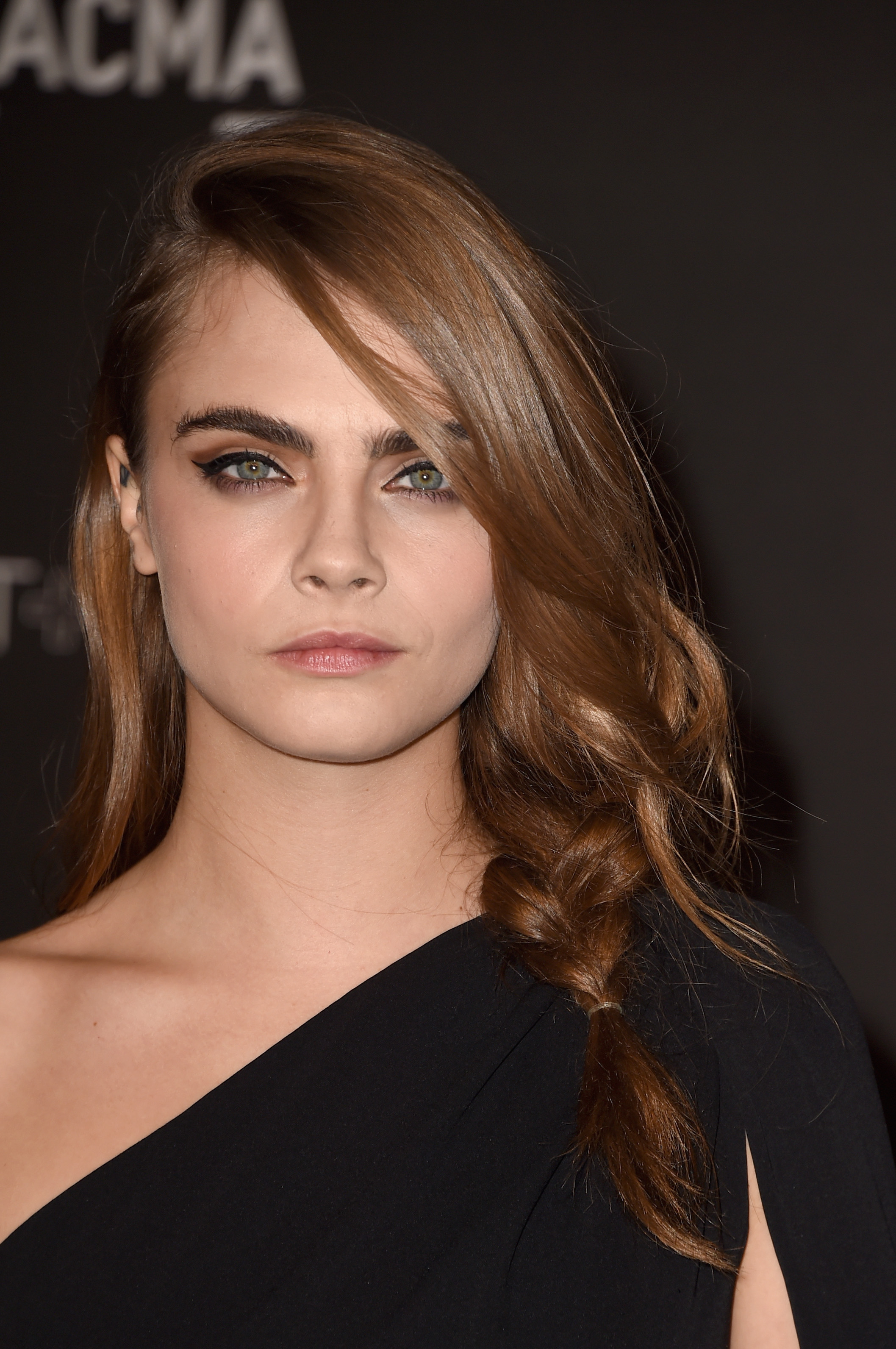 Cara Delevingne Dyes Her Hair Brown: See Pictures of the ...