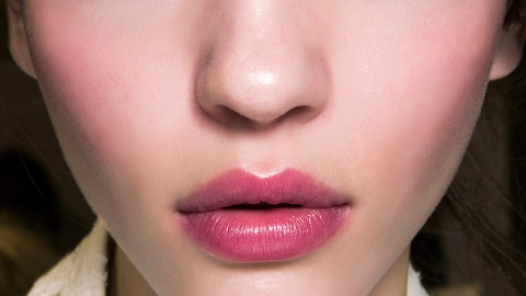The Prettiest Sheer Lip Stains for a Light Summer Look | StyleCaster