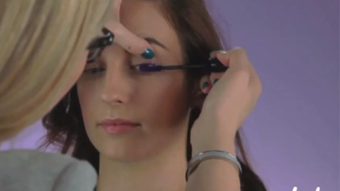 WATCH: How to Wear Colored Mascara   StyleCaster