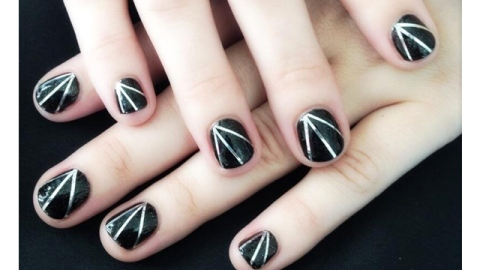Demi Lovato Teams Up With The New Black for Nail Art Kits | StyleCaster