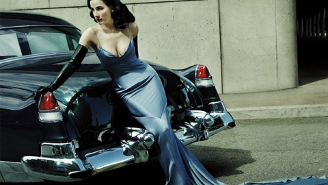 Beauty Buzz: Dita Von Teese Stole Her Red Lip Skills From Porn Stars, Celebs Who Should Never Go Blonde Again, More | StyleCaster