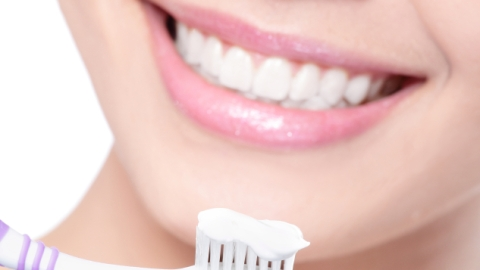 DIY Teeth Whitening: The Best At-Home Tricks | StyleCaster