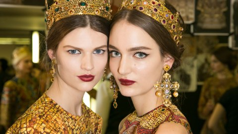 A Dolce & Gabbana Makeup Artist on How to Wear That Green Lipstick and More! | StyleCaster