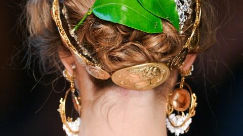 Trend to Try: Backwards Headbands | StyleCaster