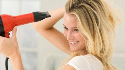 Is Your Hair Dryer Killing Your Hair? | StyleCaster
