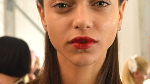 Get the Cherry Stained Statement Lip from Monique Lhuillier | StyleCaster