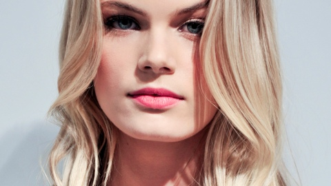 Surviving and Combating the Most Common Summer Hair Issues | StyleCaster