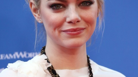 How to Get Emma Stone's Smokey Eye Makeup For Daytime | StyleCaster