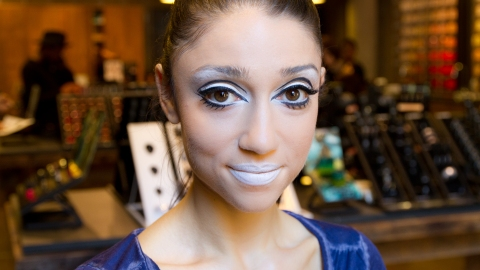 Halloween Costume Idea: Learn How to Get a Modern Twiggy Look   StyleCaster