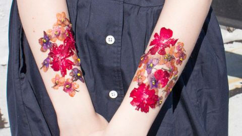 How To Make Temp Tattoos From Flowers | StyleCaster