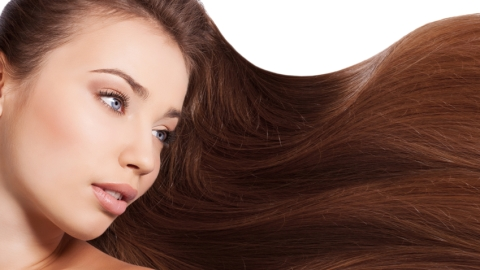 How Can My Hair Stay Frizz-Free In Humid Weather? | StyleCaster