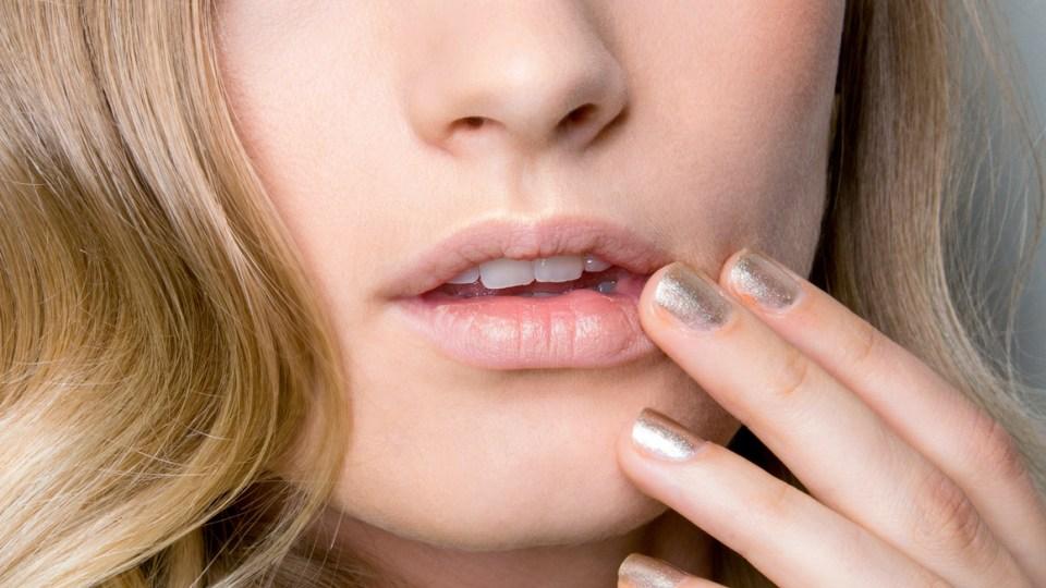 The Best Nail Polish Drying Sprays | StyleCaster