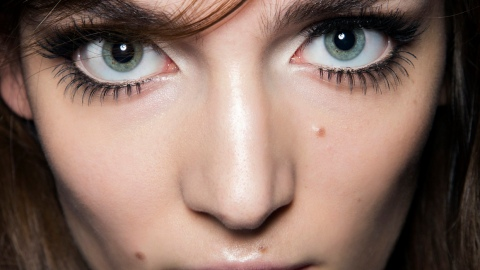 10 Things No One Ever Tells You About: Fake Eyelashes | StyleCaster