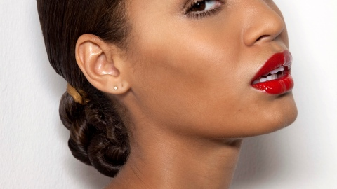 Side Bun Hairstyles: 5 Looks You Can DIY | StyleCaster