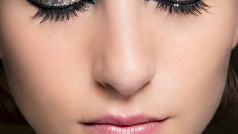 How to Remove Glitter Makeup | StyleCaster