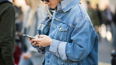 51 Ways to Wear Your Favorite Jean Jacket All Year Long | StyleCaster