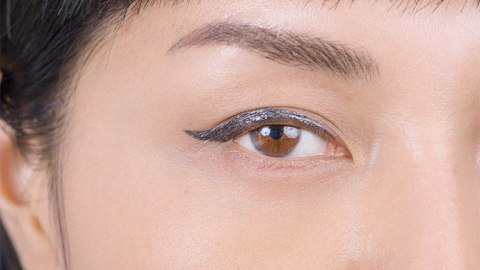 The Perfect Winged Liner in 3 Steps | StyleCaster