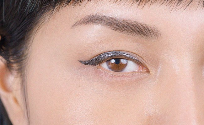 How to Do Winged Eyeliner In 3 Simple Steps
