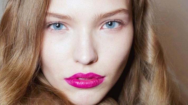Eye Makeup to Balance Bold Lipstick