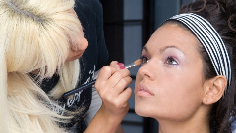 YouTube Videos: Beauty Skills to Learn in 2014 | StyleCaster