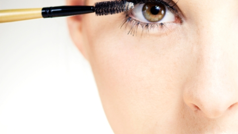 10 Things No One Ever Tells You About Mascara | StyleCaster