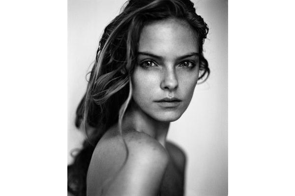 Sports Illustrated Swimsuit Model Jessica Pérez Spills Her Beauty Secrets