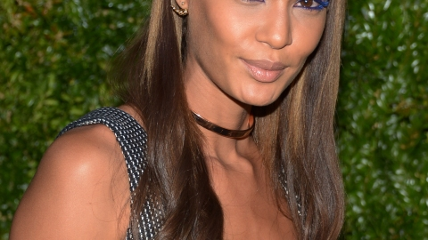 Best of the Week: Joan Smalls' Blue Mascara, Sophia Bush's Graphic Liner, More | StyleCaster