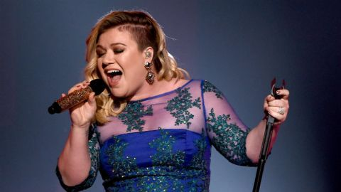 Who Cares About Kelly Clarkson's Body? | StyleCaster