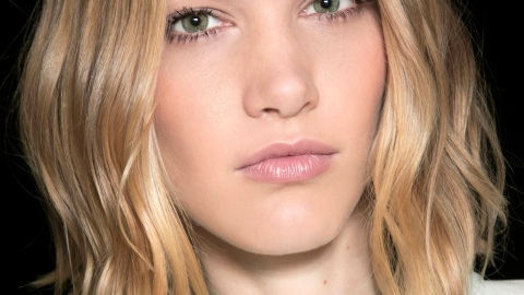 How to Make Straight Hair Wavy | StyleCaster
