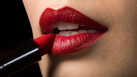 Are You Wearing the Wrong Lip Shade? | StyleCaster