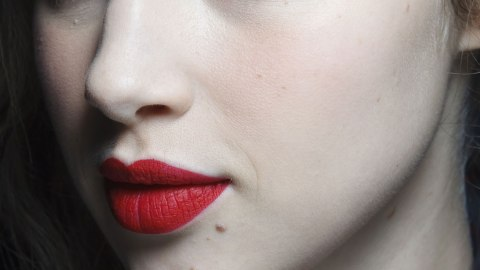 Fake It Until You Make It: Tricks For the Cat Eye Flick | StyleCaster