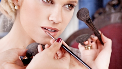 How to Find a Makeup Artist For Your Wedding | StyleCaster